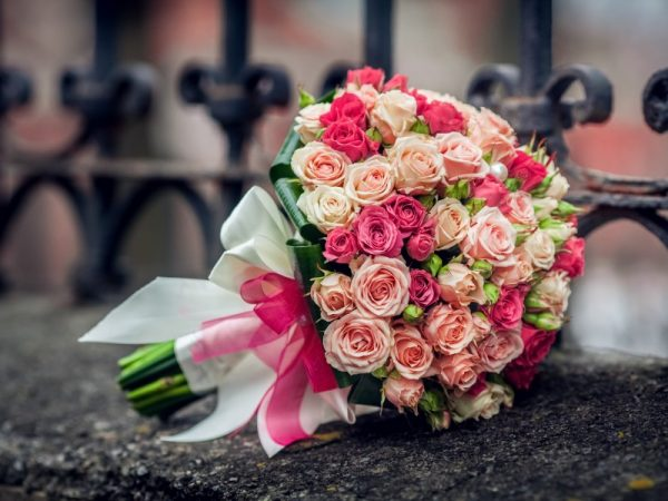 Krasivyye svadebnyye bukety