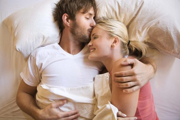 images of love couples in bed