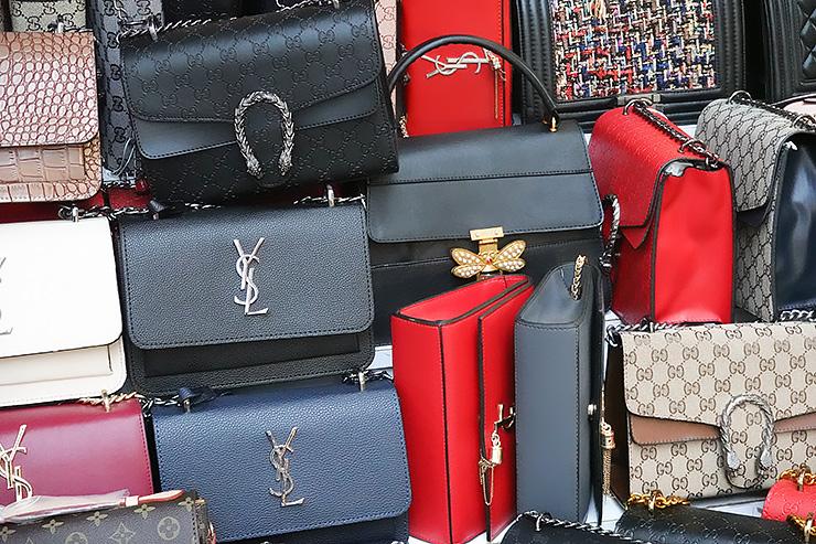 Картинки по запросу какие брендовые сумки надо иметь каждому знаку зодиака