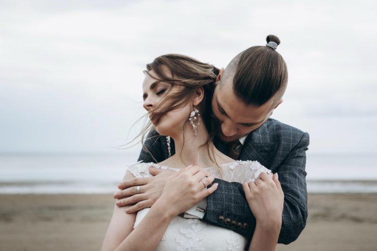 Картинки по запросу Как месяц знакомства с любимым человеком влияет на ваши отношения