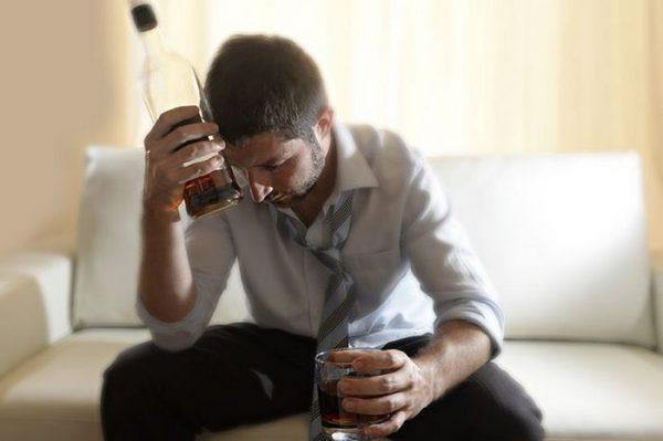 Почему мужчины пьют: симптомы, причины пьянства, зависимость ...