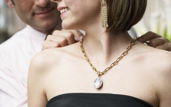 Самые щедрые знаки Зодиака среди мужчин: дарят роскошные подарки