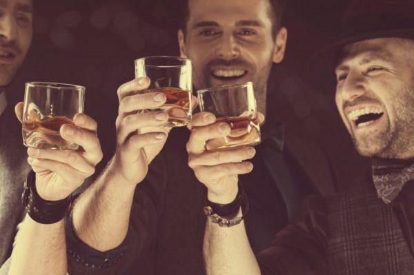 Как ведут себя мужчины разных знаков Зодиака, когда выпьют - ALL.TV