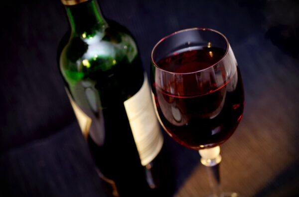4 алкоголезависимых знака зодиака. А ты можешь стать алкоголиком ...