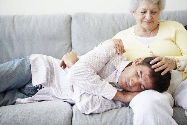 """Психолог: """"Если маме не нужен мужчина, ее сыну в будущем будет не ..."""